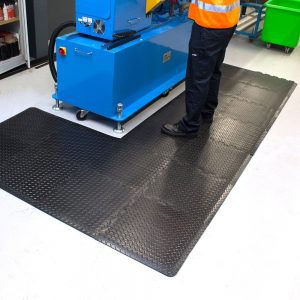 What are the benefits of anti fatigue standing mats
