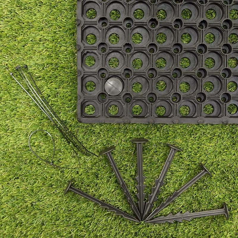 Rubber Grass Mats with pegs and tiles