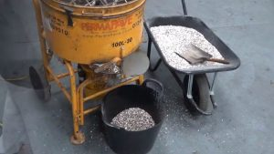 Release the aggregate from the machine