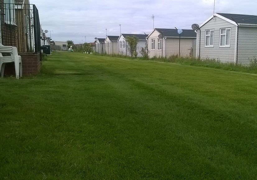 Caravan-And-Camping-Park---Grass-X-Grid