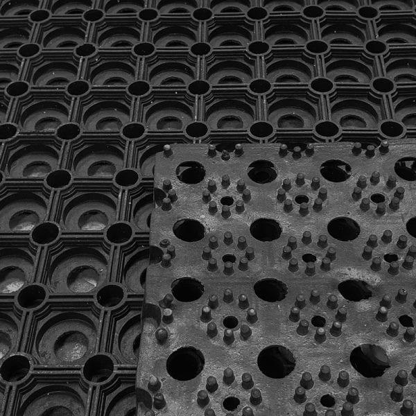Rubber Grass Mat Roll 1m x 10.5m